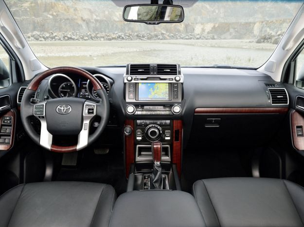 toyota land cruiser 2014_interni