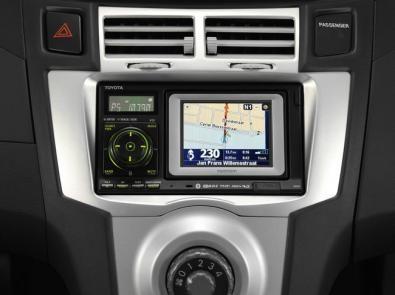 Il sistema integrato in plancia nella Toyota Yaris Navi