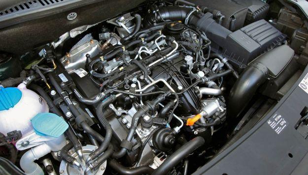 volkswagen caddy 2011 motore