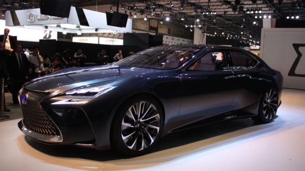 Lexus LF-FC Concept: il progetto per un'ammiraglia al Salone di Tokyo 2015 [FOTO]