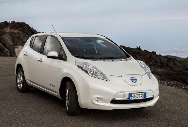 149129_Nissan_LEAF_viaggio_spettacolare_attraverso_l_Europa