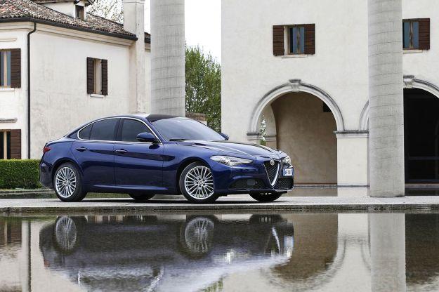 Alfa Romeo Giulia 2017: 2.0 turbo benzina 200 CV e Pack Lusso Noce o Quercia [FOTO]