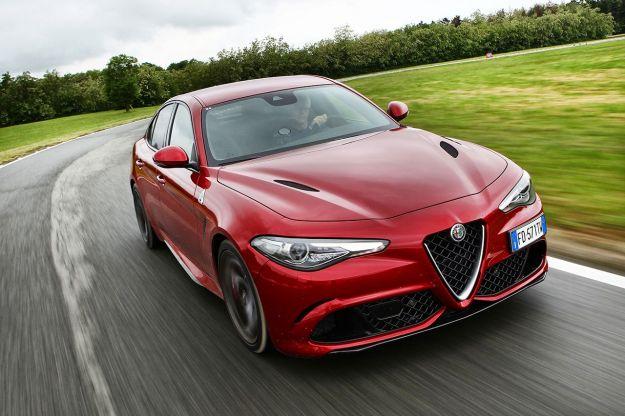 Alfa Romeo Giulia Quadrifoglio con cambio automatico: prezzo da 81.500 Euro [FOTO]