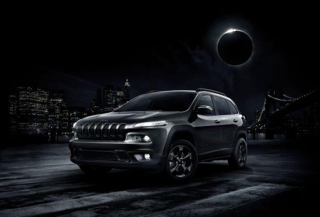Jeep Cherokee Night Eagle 2017: una serie speciale tutta nera