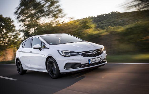 Nuova Opel Astra OPC Line: estetica più sportiva, stessi cavalli [FOTO]