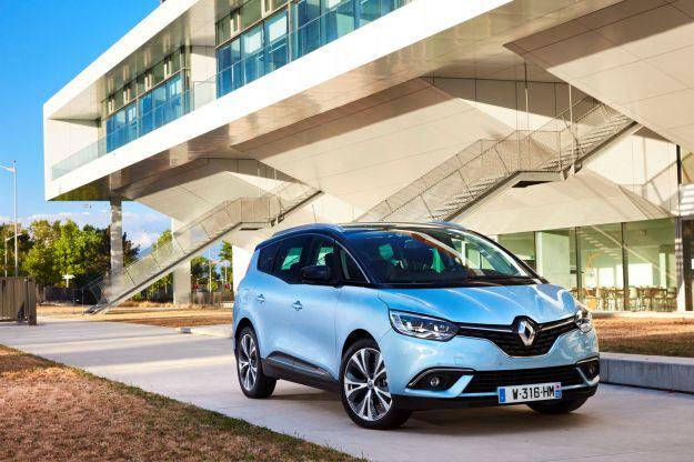 Nuova Renault Grand Scenic: dimensioni, motori e scheda tecnica [FOTO]