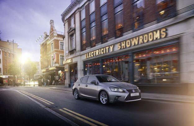 Lexus CT 200h 2018 hybrid: restyling di stile e contenuti, prezzo da circa 31.000 euro [FOTO]