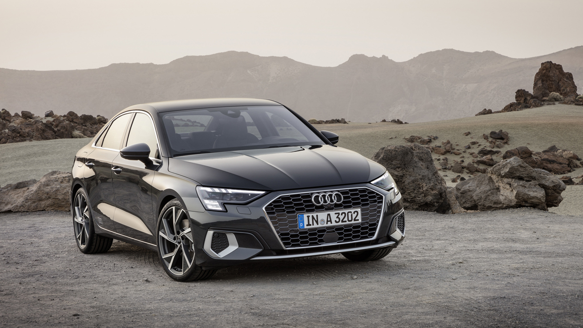 Audi A3 Sedan, la berlina tedesca si rifà il look e diventa ibrida hi-tech