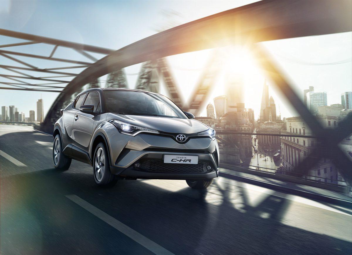 Toyota C-HR, la prima auto ibrida a metano