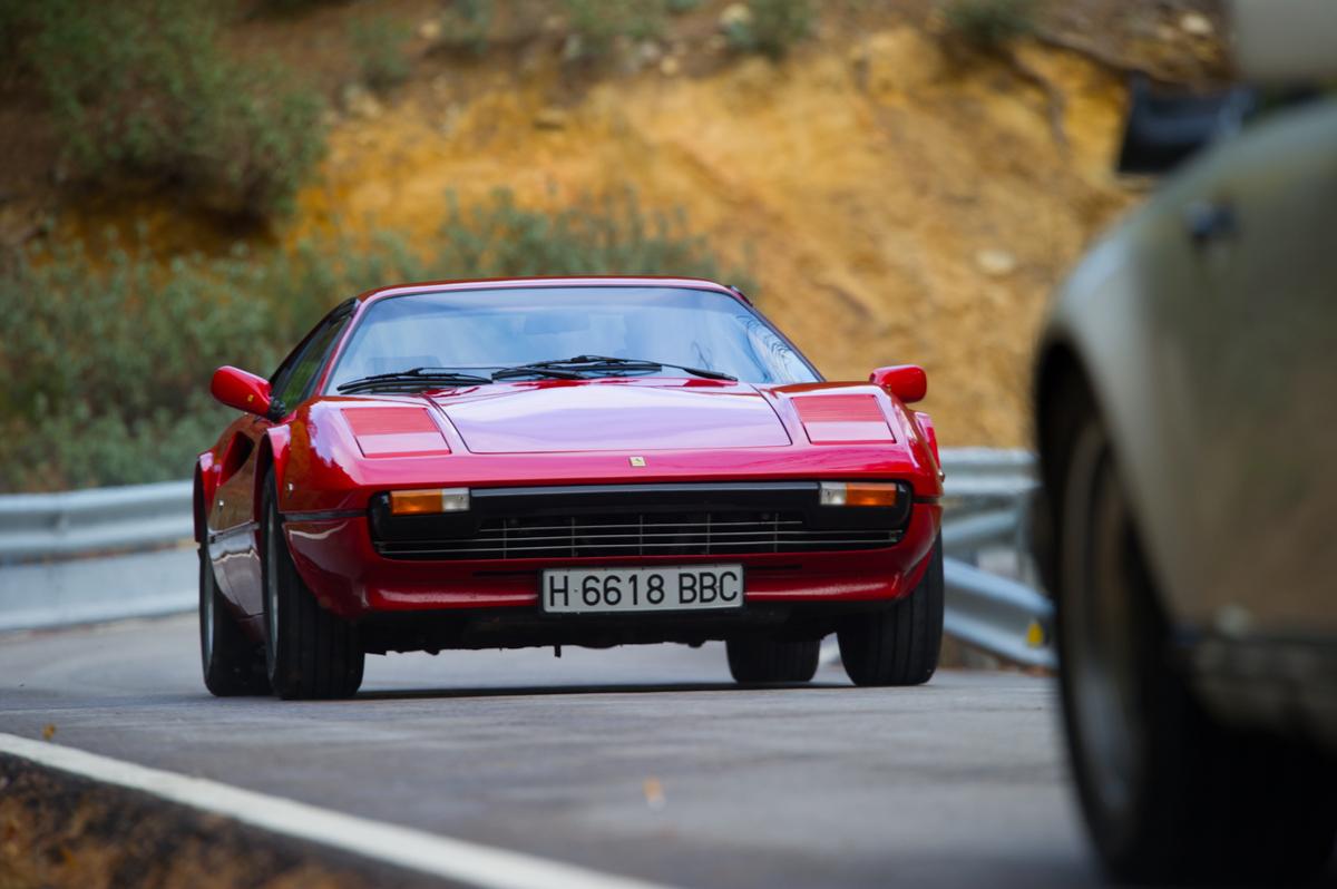 Ferrari 308 GTS con motore Tesla: l'icona delle Rosse si elettrifica