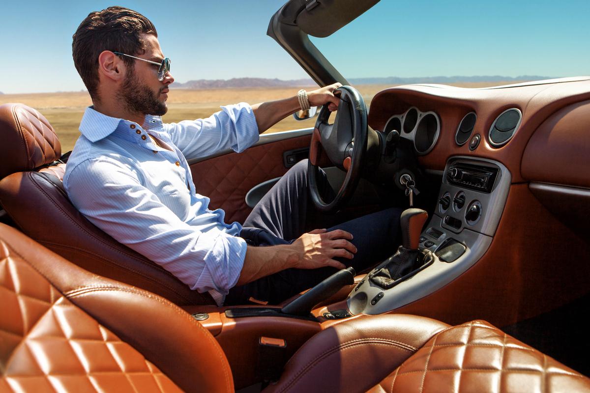 Guidare in estate. i consigli per viaggiare senza pensieri