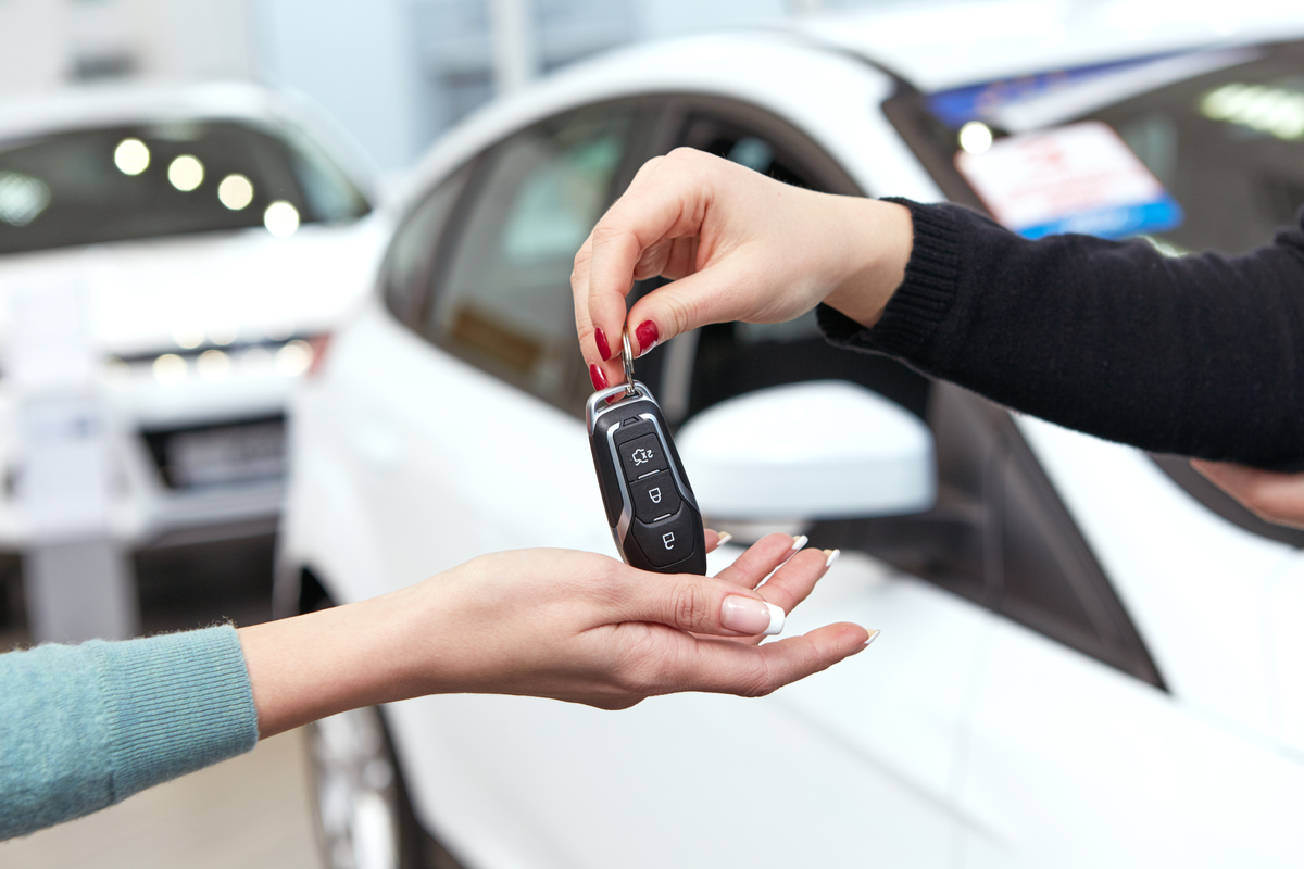 Permuta auto: come funziona e quali sono le differenze tra privati e concessionario