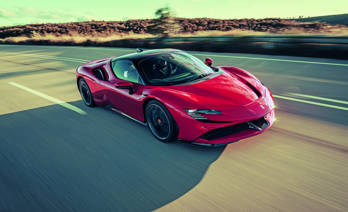 Ferrari SF90 Stradale, il Covid-19 rimanda il debutto: arriverà a fine 2020