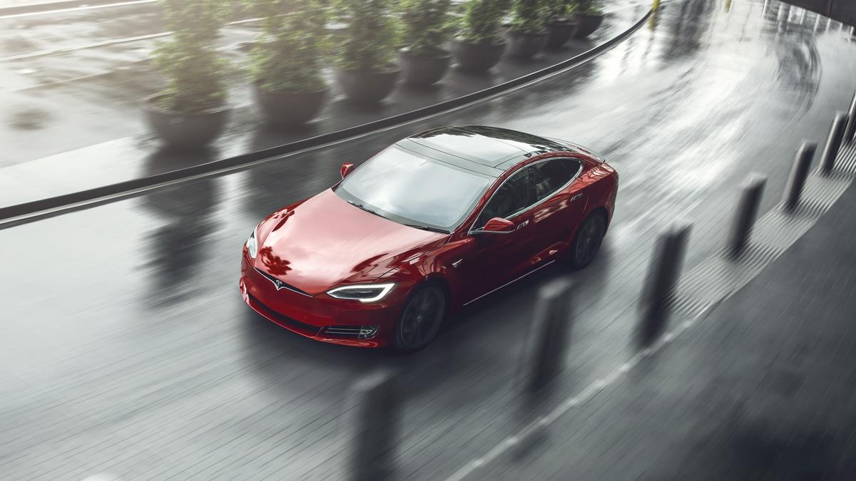Tesl Model S, una delle auto preferite per le vacanze