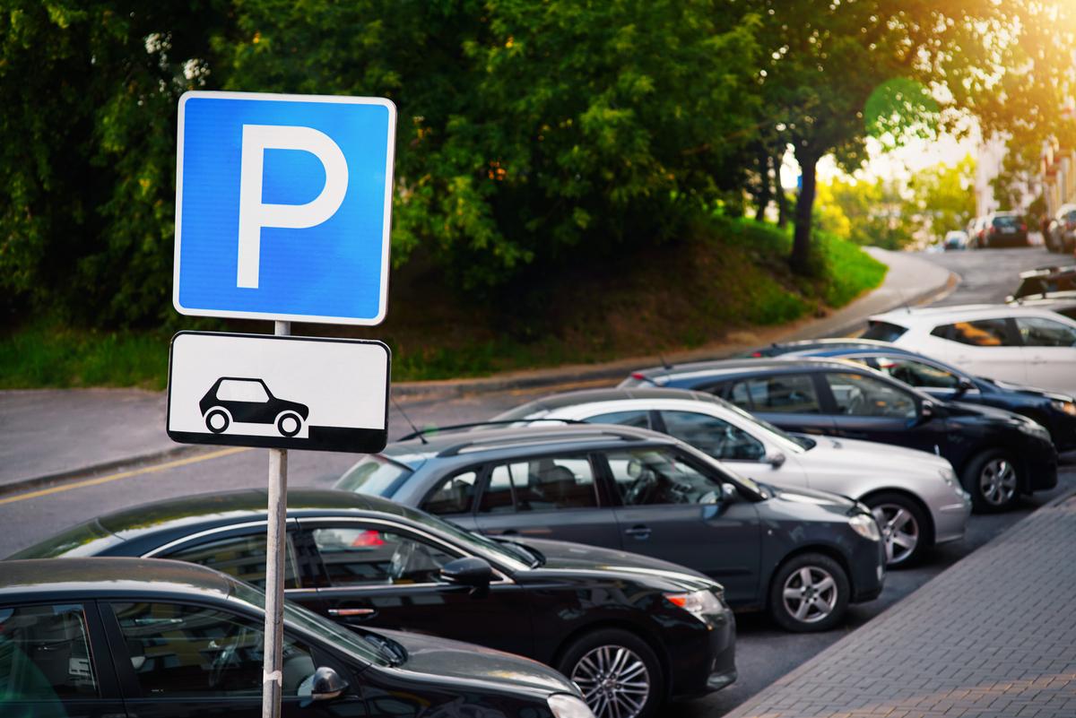 Parcheggi auto, le città dove costano di più