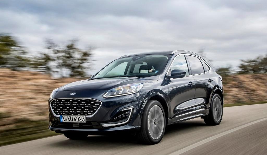 Allaguida di nuova Ford Kuga, la prova su strada dell'ibrida leggera