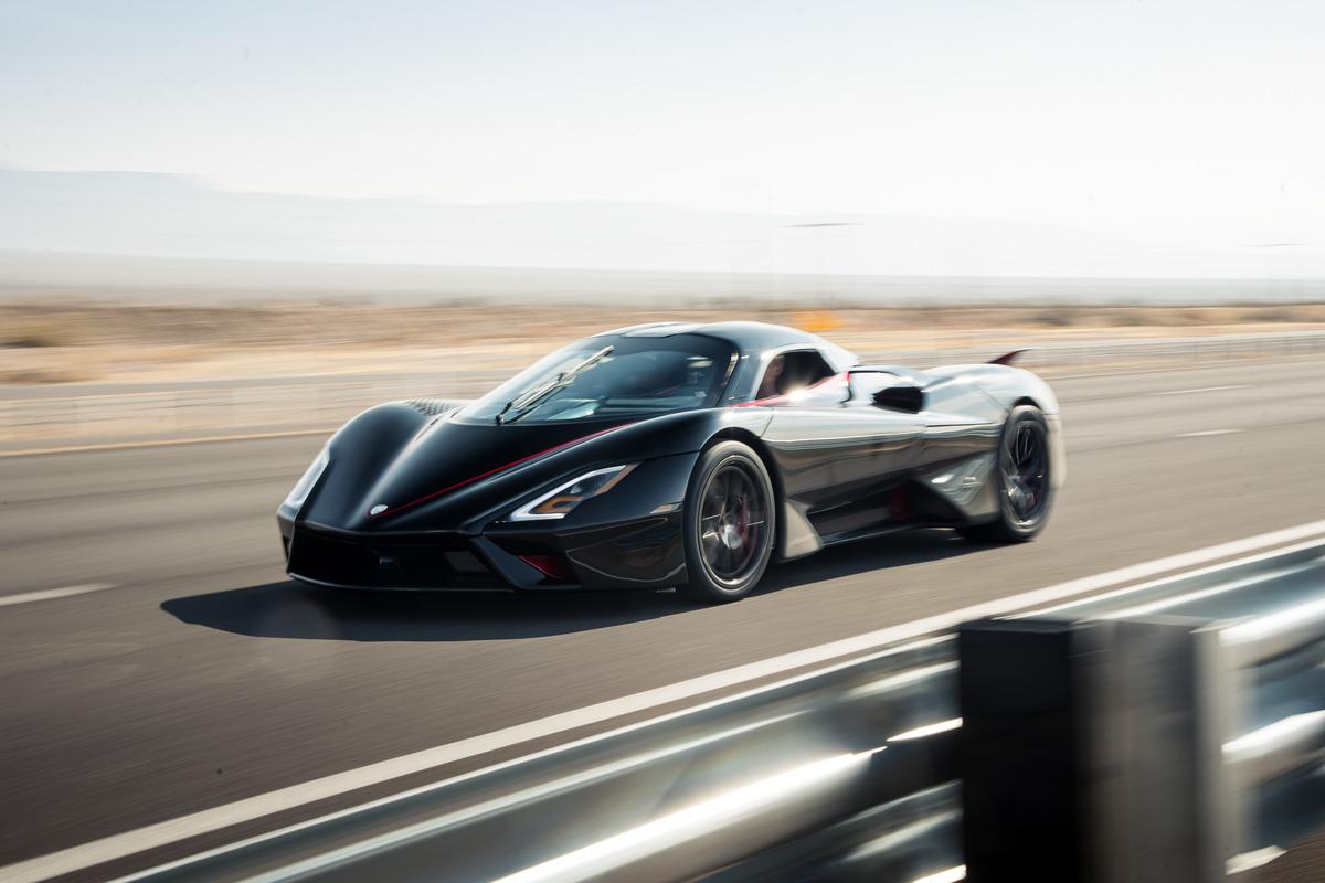 SSC Tuatara da record, è l'auto più veloce al mondo
