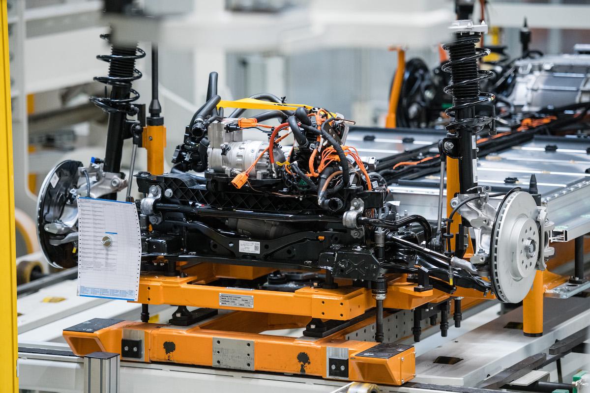 fabbrica impianto batterie elettriche volkswagen