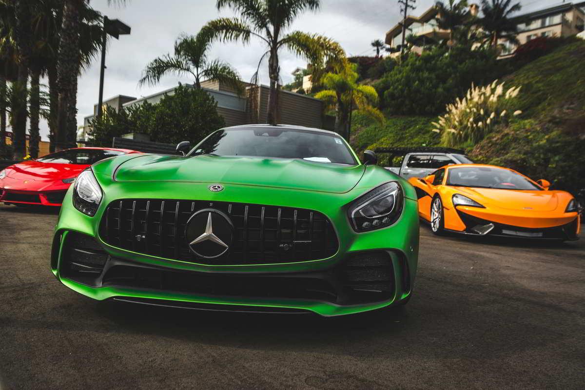 Mercedes-AMG GTR verde