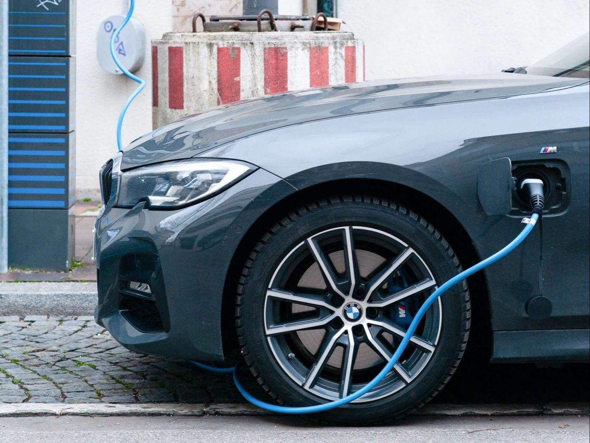 Incentivi auto elettriche: detrazioni del 50% fino a 40mila euro