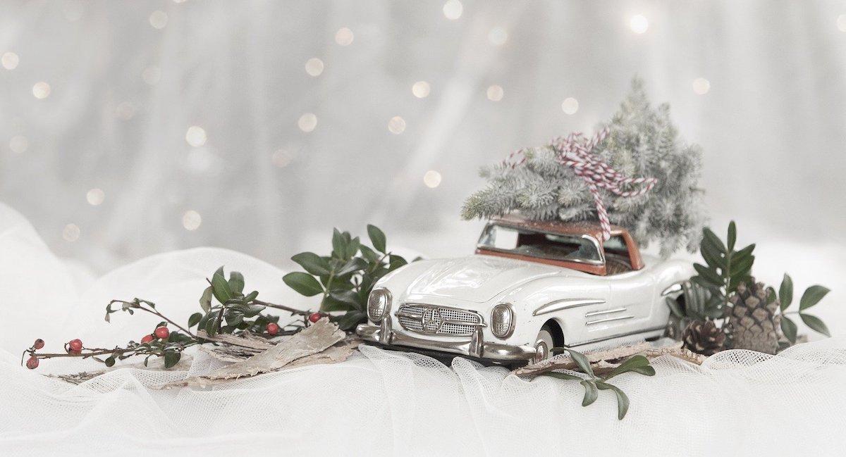 regalo natale automobilina mercedes