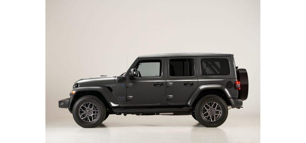 Jeep Wrangler ibrida plug-in profilo