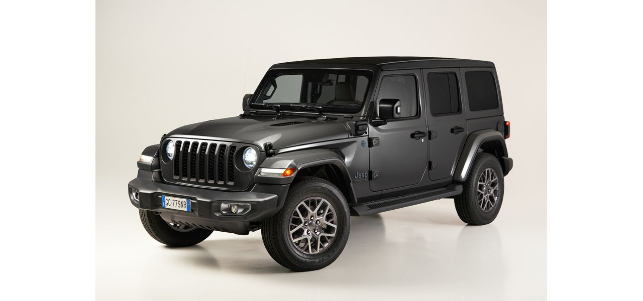 Jeep Wrangler: l'ibrida plug-in 4xe al debutto con la First Edition