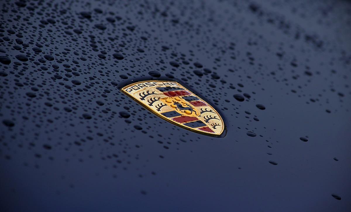 Il 16 febbraio Porsche presenterà la nuova 911 GT3