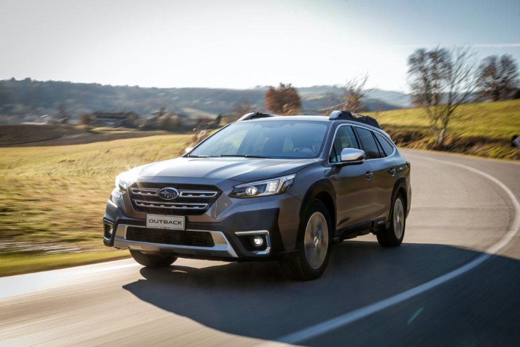 nuova Subaru Outback vista anteriore