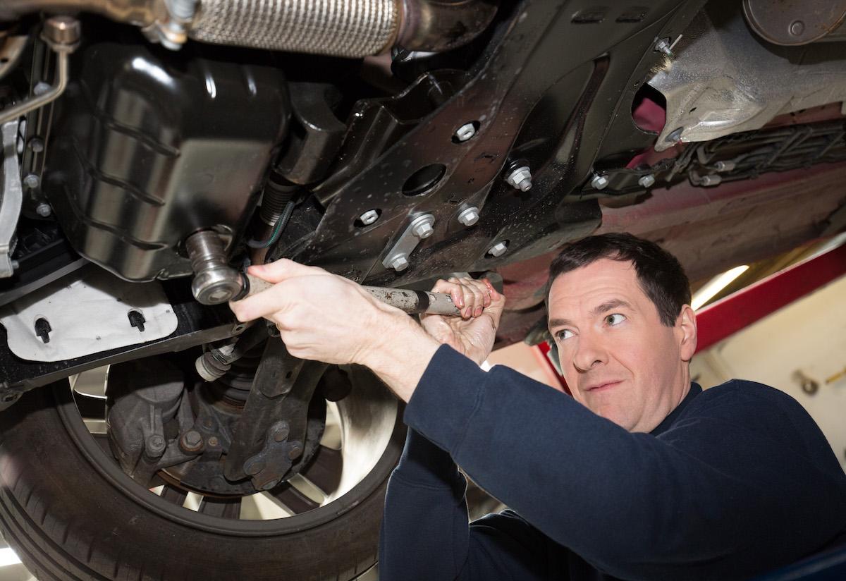 meccanico officina riparazioni auto