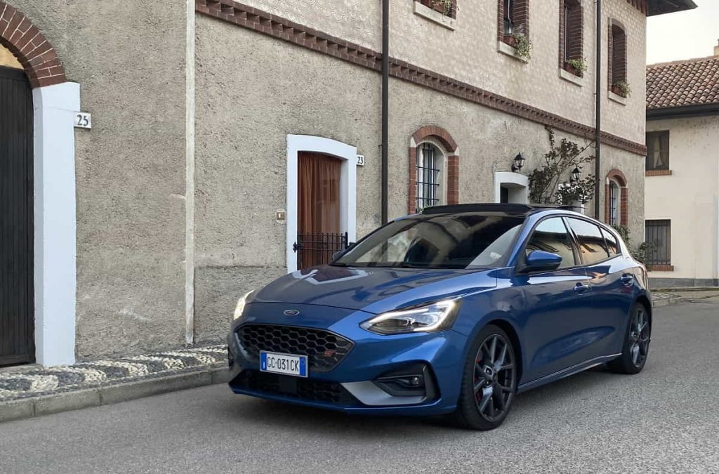 Ford Focus ST in strada