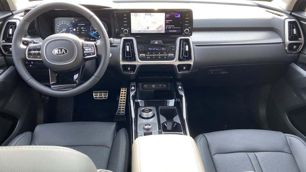 interni Kia Sorento plug-in hybrid