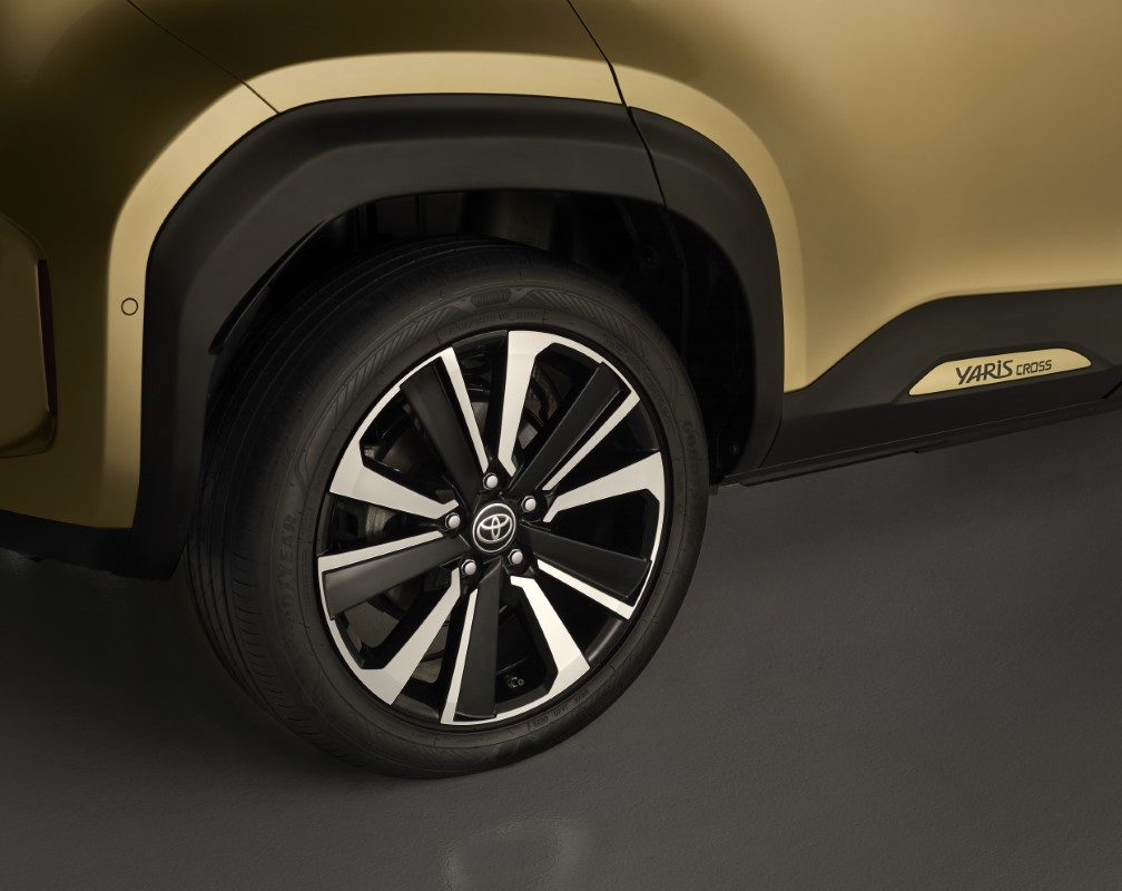Toyota Yaris Cross trazione integrale intelligente