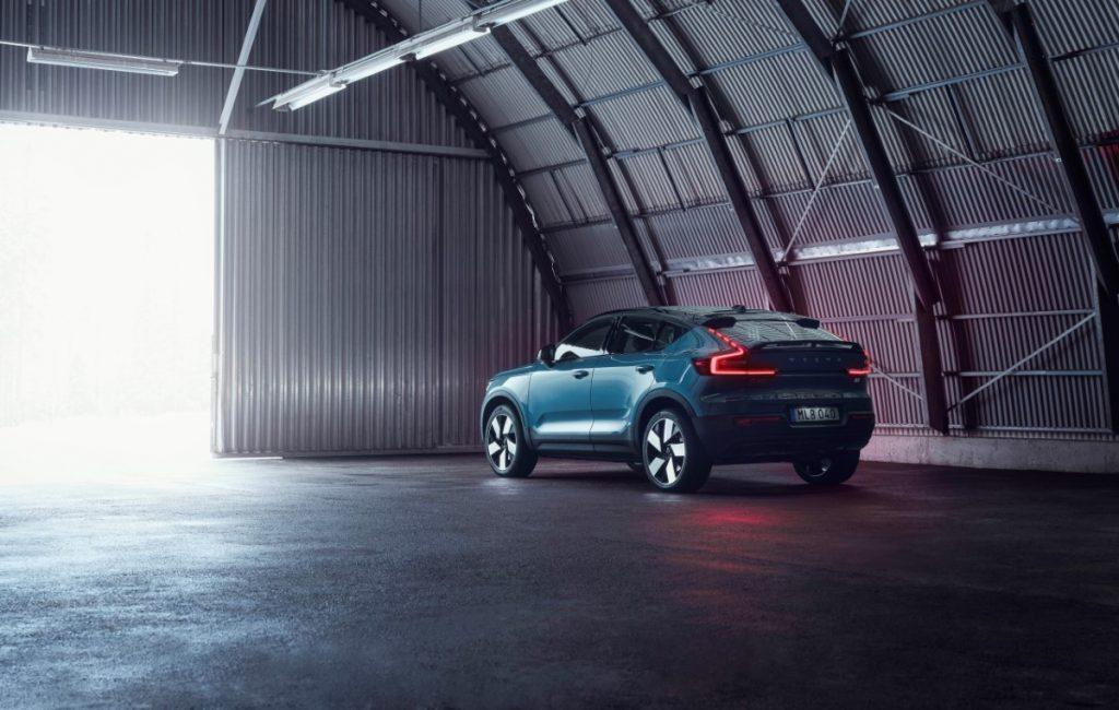 Volvo C40 Recharge profilo posteriore