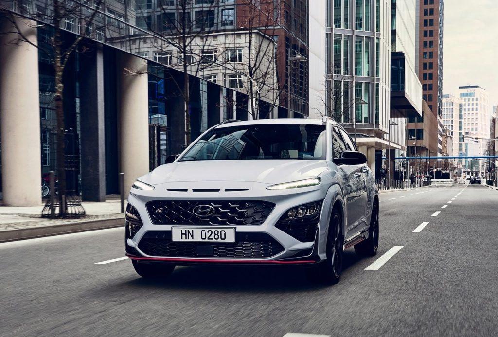 Hyundai-Kona_N_in strada