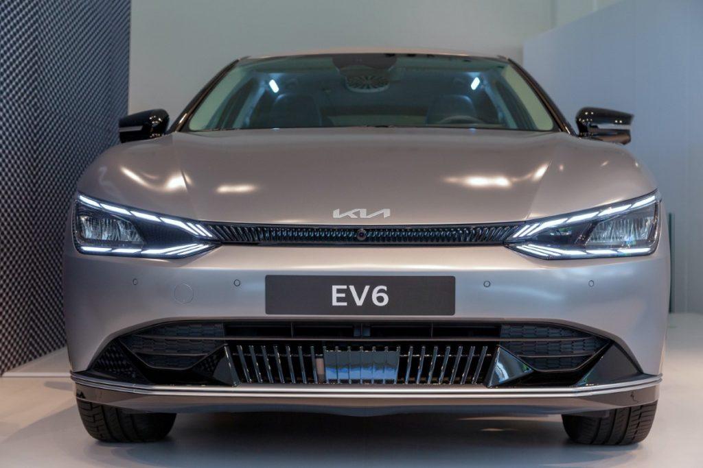 Kia EV6 anteriore