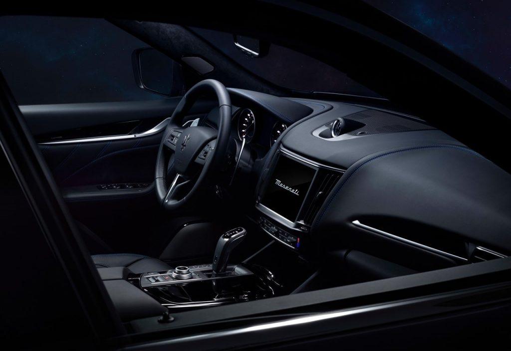Maserati Levante Hybrid interni