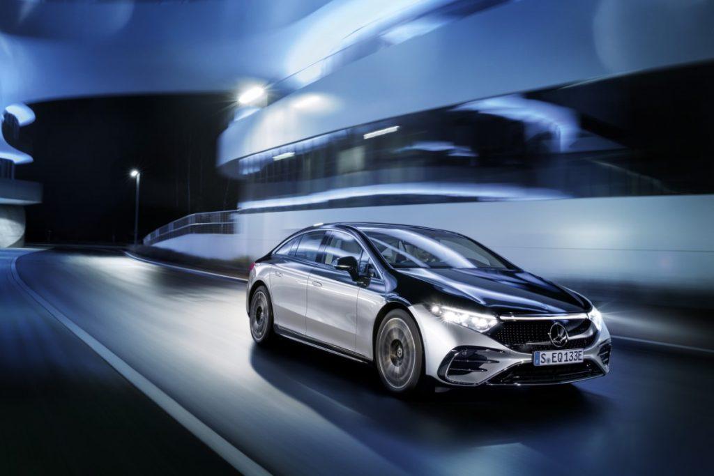 Mercedes EQS aggiornamenti over the air
