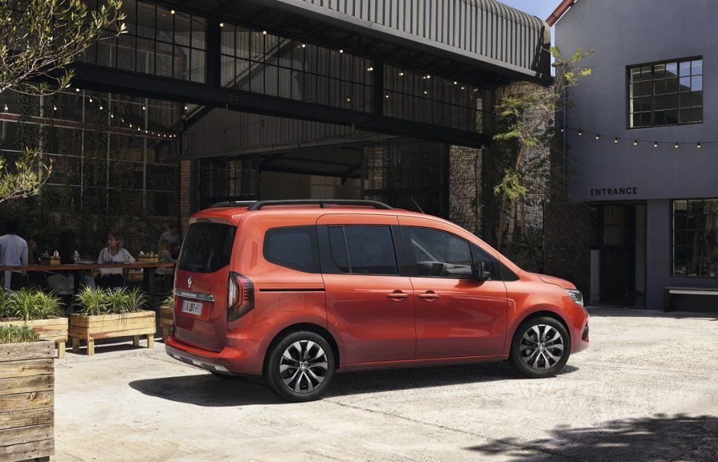 nuovo Renault Kangoo profilo laterale
