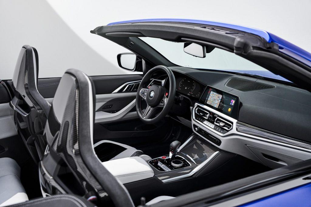 BMW M4 Competition XDrive Cabrio interni