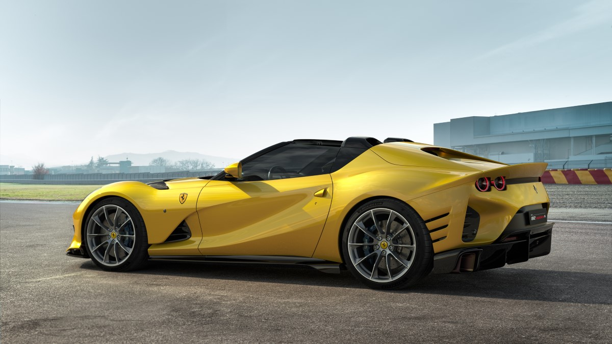 Ferrari_812_Competizione_A