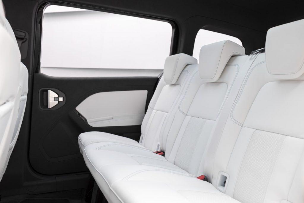 Mercedes EQT interni panna bianca