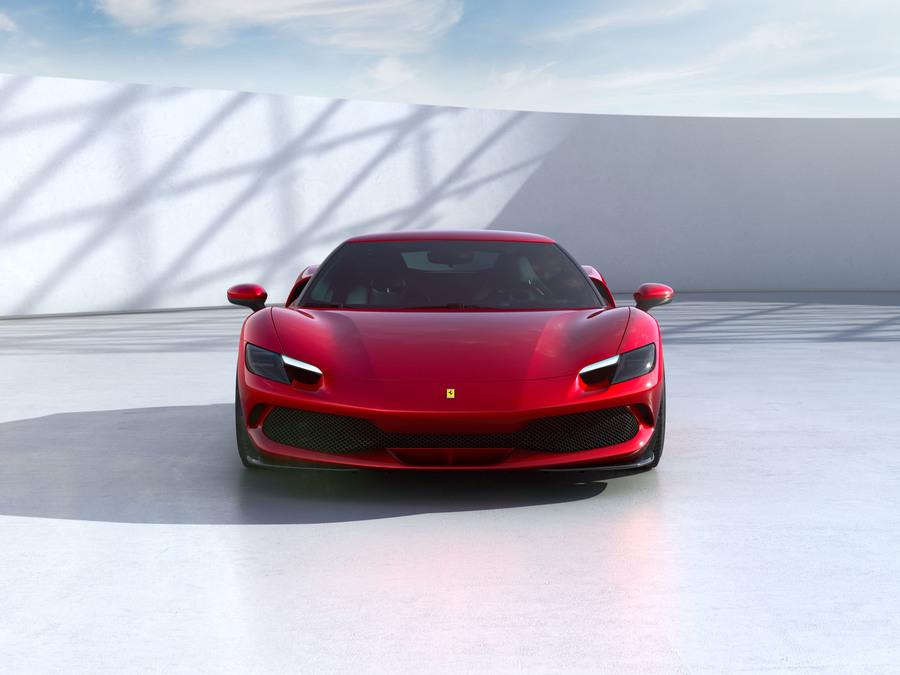 Ferrari 296 GTB frontale