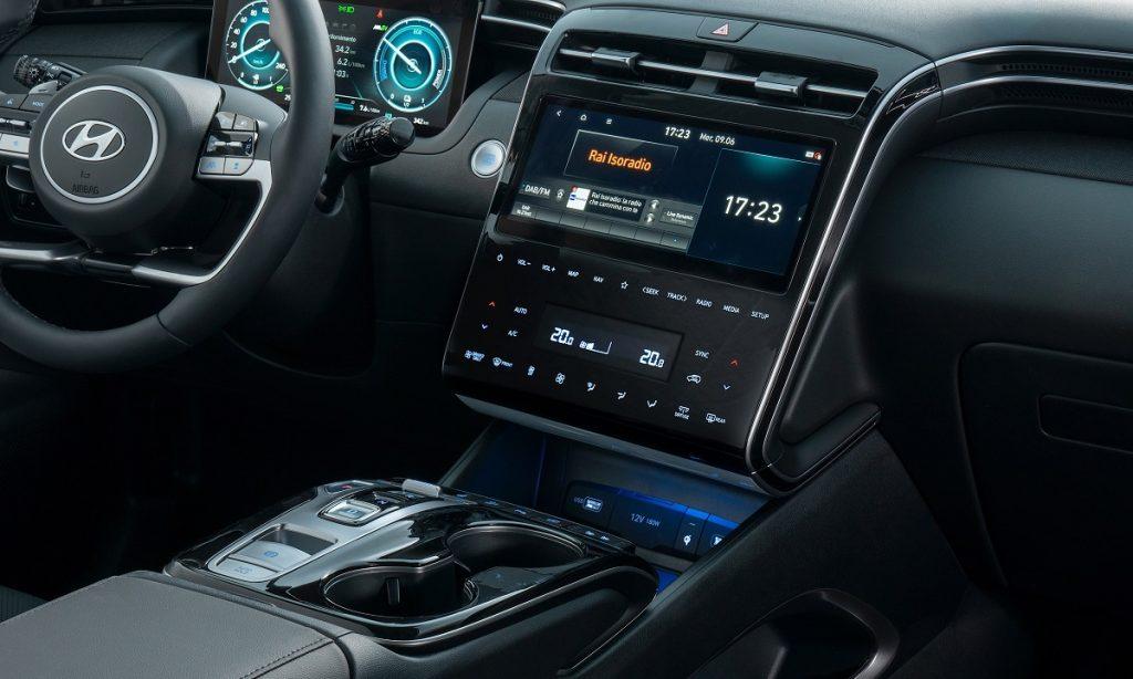 Hyundai-Tucson-Plug-in-Hybrid-panoramica-interni