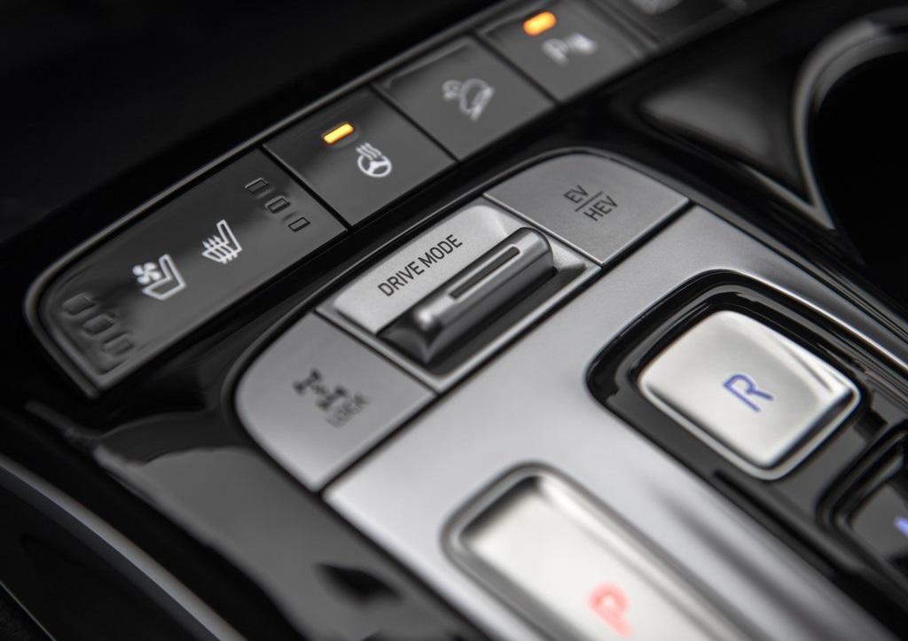 Hyundai-Tucson_Plug-in_Hybrid-console-cambio-automatico