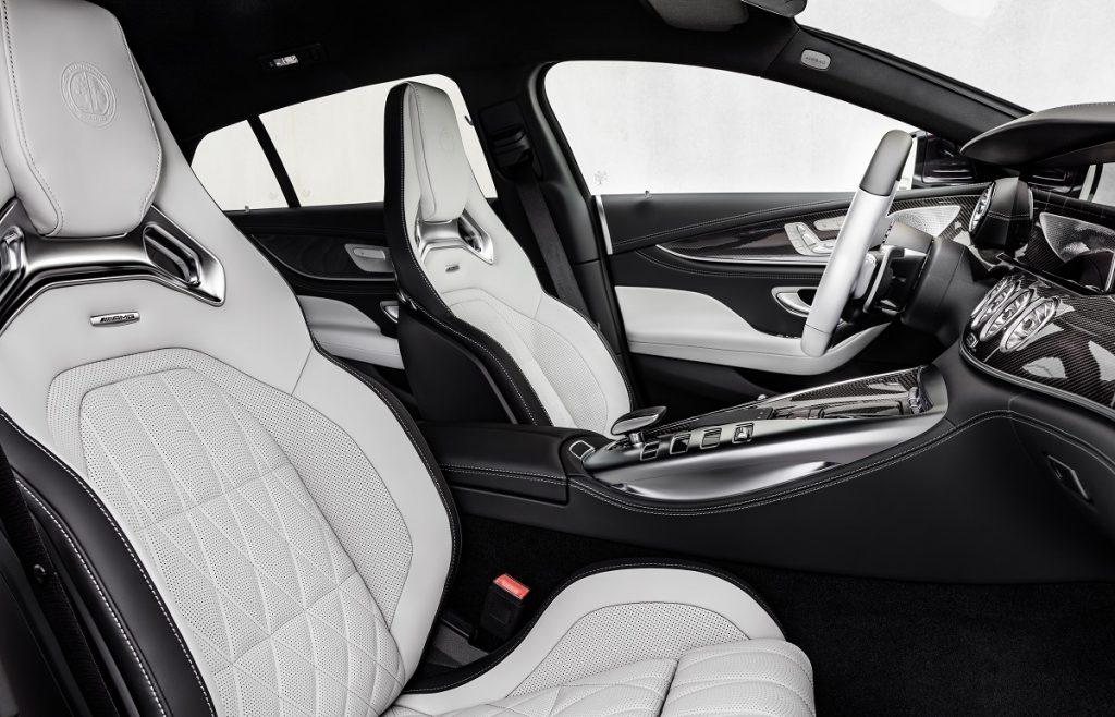 Mercedes-AMG GT Coupé4 abitacolo