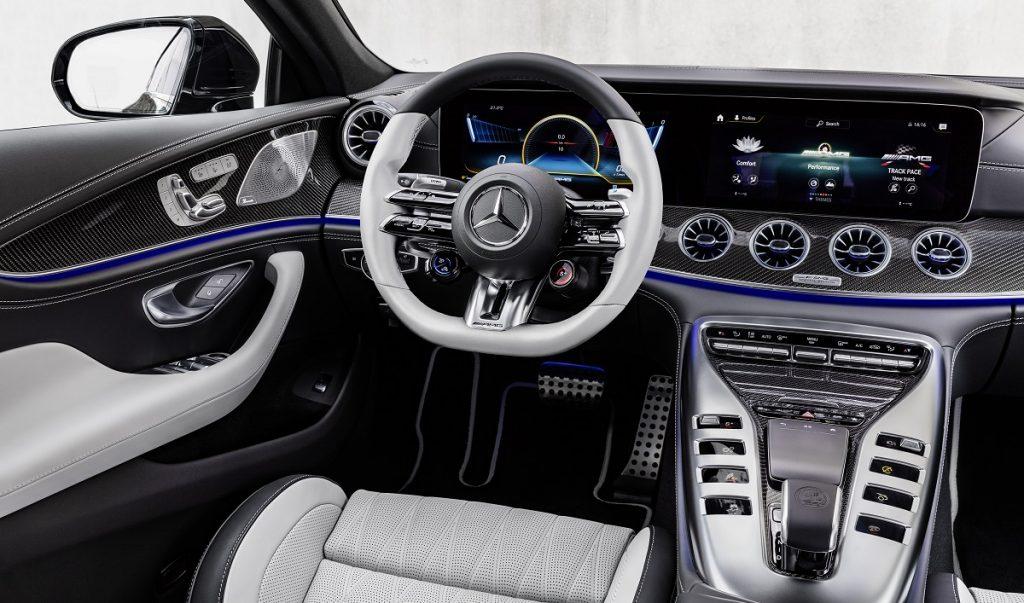 Mercedes AMG GT Coupé4 interni