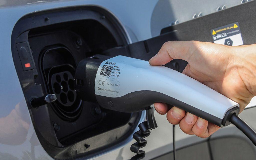 Nuova Hyundai TUCSON Plug-in Hybrid in ricarica