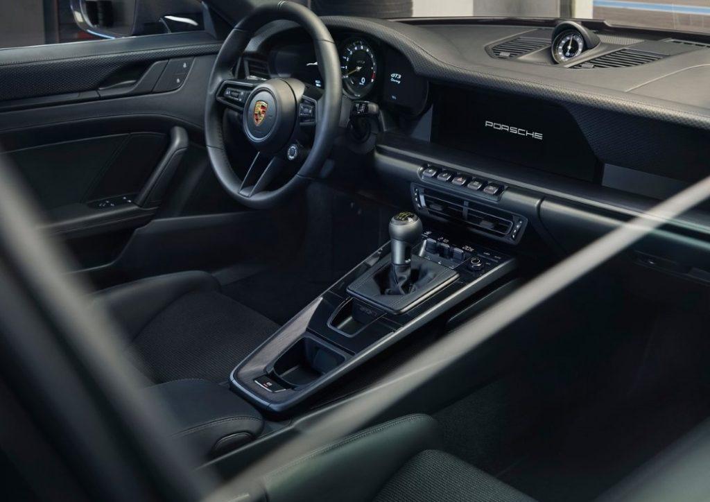 Nuova Porsche 911 GT3 Touring interni