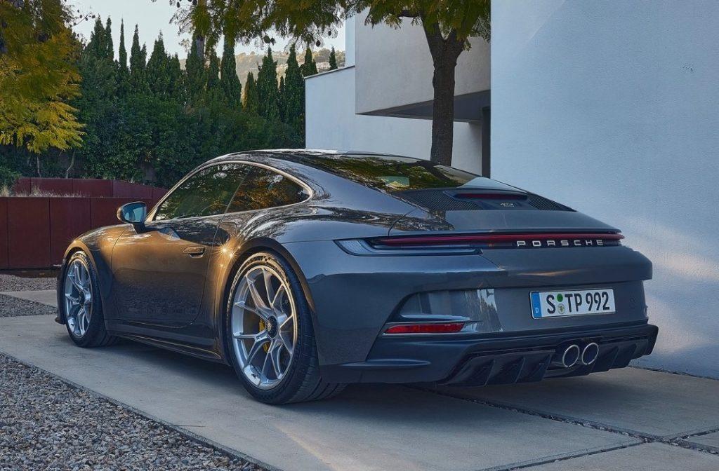 Nuova Porsche 911 GT3 Touring performance
